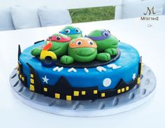 Birthday with my heroes!  Στα γενέθλιά μου θέλω μια τούρτα με τους αγαπημένους μου ήρωες... δώρο από τους πραγματικούς ήρωες της ζωής μου... τους γονείς μου! <3 #BegnisCatering #Catering #begnisclassics #birthdaycake #ninjaturtles #party