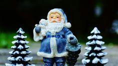 3840x2160 Wallpaper santa claus, christmas trees, new year