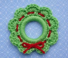 Whiskers & Wool: Christmas Wreath Ring Ornament-*FREE Pattern*