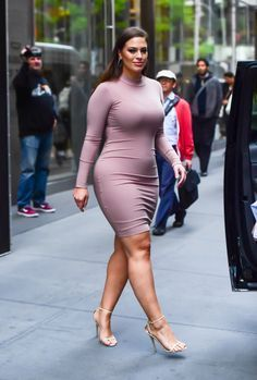 154 Best Ashley Graham Images In 2019 Plus Size Fashion Ashley