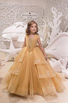 7a683a5a23a48 330 meilleures images du tableau Robes pour mariages   Première ...