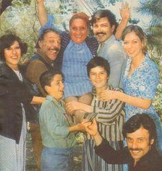 """1976 yılında Antalya altın portakal film festivalinde en iyi kadın oyuncu ödülünü kazanan Adile Naşit o günü şöyle anlatıyor;  """"24 haziran günü Arzu Film in setinde """"Aile Şerefi"""" filmi için çalışıyorduk.Bir ara bir telefon geldi beni istiyorlarmış.Telefonun öbür ucunda Arzu filmin sahibi Ertem Eğilmez :""""hazırlan Adile Antalya ya gidiyorsun"""" dedi…  Bir anda stüdyo birbirine girdi.Münir Özkul, Ayşen Gruda ve herkes ödülü kendileri kazanmış gibi bayram ediyorlar sarılıp beni öpüyorlardı."""