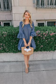See how Jenna from Prada & Pearls styles this trumpet sleeve chambray dress that's perfect for spring and summer! Chambray has been everywhere this season and is the perfect addition to any closet! Pretty Outfits, Dress Outfits, Casual Dresses, Casual Outfits, Girl Outfits, Fashion Dresses, Simple Dresses, Spring Summer Fashion, Spring Outfits