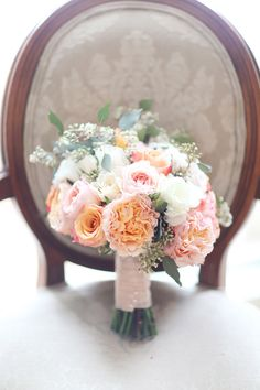 Romantic Alabama wedding   Photo by Simply Bloom Photography   Read more - http://www.100layercake.com/blog/wp-content/uploads/2015/03/Romantic-Alabama-wedding