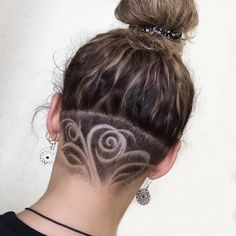 30 phenomenal undercut designs for the bold and edgy Shaved Hair Designs Bold design designer Designs edgy Phenomenal Undercut Short Hair Designs, Shaved Hair Designs, Short Hair Styles, Haare Tattoo Designs, Undercut Hair Designs, Short Hair Undercut, Shaved Undercut, Haircut Designs, Edgy Hair