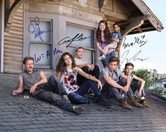 """If you can't wait for """"Shameless"""" to return, now you don't have to. Showtime has released the Season 4 premiere episode early online and you can watch it right away. Shameless Season 4, Shameless Tv Series, Shameless Characters, Carl Shameless, Watch Shameless, Shameless Scenes, Jeremy Allen White, Emma Kenney, Ian And Mickey"""