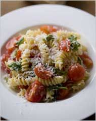 Pasta with Cherry Tomatoes and Arugula- easy, healthy, yummy, and a great way to use up all the cherry tomatoes I've been getting in my CSA