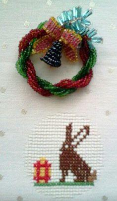 Рождественский венок. Бисер, стеклярус./ wreath, beads, bugle, wire