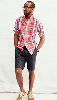 スタイルがいいとハーフパンツも綺麗に履きこなせますね。