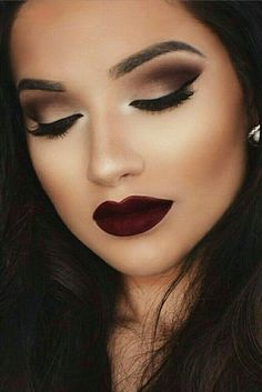 This dark, sultry look is perfect for a winter wedding!