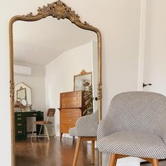 Big Floor Mirrors, Gold Floor Mirror, Bohemian Bedroom Decor, Parisian Bedroom, Parisian Chic, Living Room Mirrors, Mirror Bedroom, Master Bedroom, Anthropologie Bedroom
