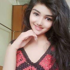 Image may contain: 1 person, closeup Desi Girl Image, Beautiful Girl Photo, Beautiful Girl Indian, Beautiful Girl Image, Beautiful Women, Sweet Girl Pic, Cute Girl Photo, Stylish Girls Photos, Stylish Girl Pic