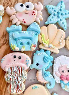 Sugar Cookie Cakes, Halloween Sugar Cookies, Iced Sugar Cookies, Summer Cookies, Cookies For Kids, Cute Cookies, Seashell Cookies, Mermaid Cookies, Under Sea Cake