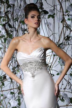 Victor Harper - Designer Bridal Gown - Style VH173 (Close up)