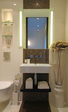 LODHA ESTRELLA #общественныйпроект Bathroom Plans, Guest Bathrooms, Tiny House Bathroom, Bathroom Layout, Dream Bathrooms, Modern Bathroom Design, Bathroom Interior Design, Bathroom Renovations, Small Bathroom