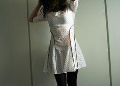 Il vestitino da cameriera anni '50 – una sarta in incognito (cartamodello in free download)
