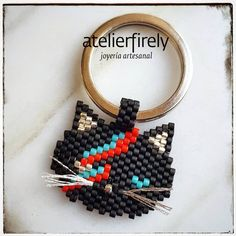 "Llavero ""Meowie""...#llavero #keychain #keyrings #meowie #bowie #motifpauline_eline #miyuki #miyukibeads #brickstitch #handmade #hechoenmexico #hechoamano #artesanía #artsandcrafts #jewelry #joyería #accesories #accesorios #cat #gatos #fashion #moda #xochmilco #atelierfirely #cdmx #venta #davidmeowie #crazycatlady #whiskers #bigotes Bowie, Brick Stitch, Crazy Cat Lady, Bead Art, Key Rings, Crochet Earrings, Arts And Crafts, Beaded Bracelets, Beads"