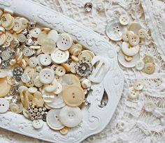 <3 love cream and white vintage buttons!
