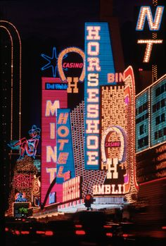 Vintage Las Vegas Photo~ Neon Casino Signs from Fremont Street in Old Downtown. Vintage Neon Signs, Vw Vintage, Vintage Hotels, Vintage Travel, Pigeon Forge Tennessee, Las Vegas Trip, Las Vegas Nevada, Las Vegas Sign, Neon Licht