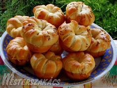 Sajtos muffin recept Shrimp, Muffins, Food And Drink, Meat, Biscuits, Beef, Muffin, Cupcake