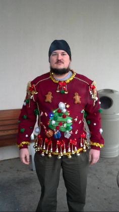 tacky christmas costumes 51 Ugly Christmas Sweater Ideas So You Can Be Gaudy and Festive - Bib And Tuck Ugliest Christmas Sweater Ever, Diy Ugly Christmas Sweater, Ugly Sweater Party, Xmas Sweaters, Ugly Sweaters Diy, Pull Kitsch, Tacky Christmas Party, Christmas Ideas, Christmas Costumes