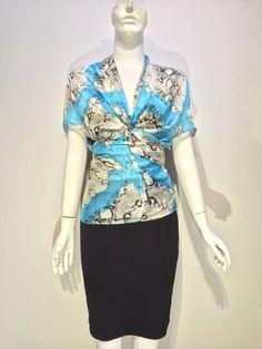 #msjojovideo Biến hoá cùng khăn, bạn có tin chiếc khăn có thể biến hoá nhiều hơn chức năng của chiếc khăn tạo thành áo, áo khoác hay cả một chiếc đầm dạ hội . Hãy cùng ms.JoJo phá bỏ mọi giới hạn trong trang phục nhé