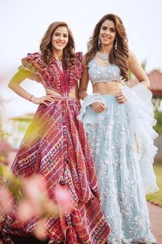 Indian Gowns Dresses, Indian Fashion Dresses, Indian Designer Outfits, Stylish Dresses For Girls, Wedding Dresses For Girls, Half Saree Designs, Blouse Designs, Wedding Lehenga Designs, Long Gown Dress