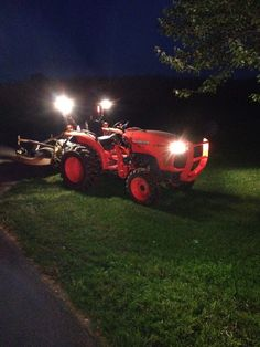 tractor accessories The Most Useful Tractor Add-Ons - TractorByNet New Tractor, Tractor Mower, Compact Tractor Attachments, Tractor Supply Company, Tractor Accessories, Harbor Freight Tools, Kubota Tractors, Tractor Implements, Power Out