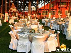 #casateenacapulco  Diferentes servicios para tu boda en Acapulco con Banquetes Olguín. TU BODA EN ACAPULCO. Banquetes Olguín es una maravillosa empresa que te ofrece no solamente el mejor banquete para tu boda, también grupos musicales, pirotecnia, fotografía y video, pista iluminada, show interactivo con los mejores animadores y muchas cosas más. Te invitamos a realizar la boda de tus sueños en el paradisiaco Acapulco.