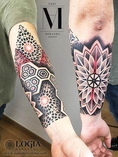 Forearm tattoos, 100 tattoo ideas - Geometric and dotwork mandala forearm tattoo at the Logia Tattoo Barcelona tattoo studio. Mandala Tattoo Mann, Tattoos Mandala, Mandala Tattoo Design, Forearm Tattoos, Body Art Tattoos, Geometric Sleeve Tattoo, Geometric Tattoo Design, Tattoo Sleeve Designs, Sleeve Tattoos