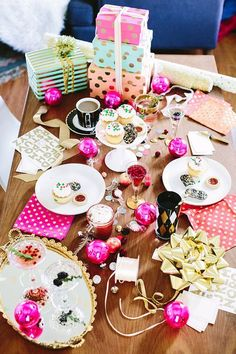 {dreamin' of a ::pink:: christmas}