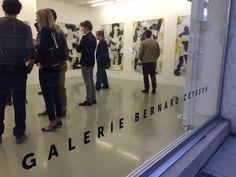"""Nuit les Bains Geneven """"taiteiden yö""""on hauska tapahtuma ja useat galleriat sekä taidemuseot ovat avoinna yleisölle, kolme kertaa vuodessa Quartier des Bainsin alueella."""
