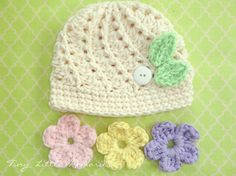 Baby Crochet Hat with Interchangeable Flowers what a great idea!