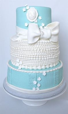 Tiffany inspired birthday cake with pearls