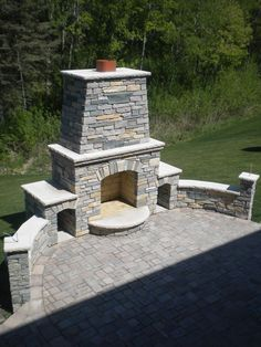 Outdoor Fireplace Patio, Outside Fireplace, Outdoor Fireplace Designs, Outdoor Fireplaces, Fireplace Ideas, Foyers, Built In Grill, Outdoor Kitchen Design, Outdoor Kitchens