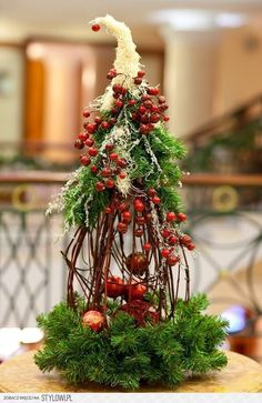 Outdoor Christmas decorations simple and easy; home decoration; Christmas Flower Arrangements, Christmas Flowers, Diy Christmas Tree, Christmas Design, Rustic Christmas, Simple Christmas, Christmas Holidays, Christmas Wreaths, Handmade Christmas Decorations