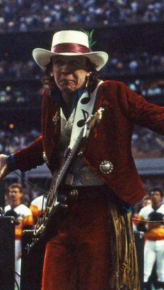 Stevie Ray Vaughan Guitar, Steve Ray Vaughan, Male Icon, Texas Music, Buddy Guy, Extraordinary People, David Gilmour, Jimmy Page, Music Photo