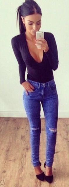 Escote negro + jeans a la cintura #black #bluejeans