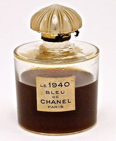 1940 Chanel Le 1940 Bleu de Chanel perfume bottle glass frost stopper label Chanel-France molded on base 2 3 4 in Perfumes Vintage, Antique Perfume Bottles, Vintage Bottles, Mademoiselle Coco Chanel, Perfume Tommy Girl, Perfume Invictus, Parfum Chanel, Beautiful Perfume, Perfume Collection
