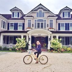 """laureninlilly: """" kellyinthecity: """" I found a castle! ⚓️ """" Why yes I wouldn't mind that being my home """""""