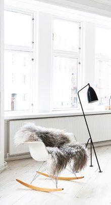 Love the Eames rocking chair <3