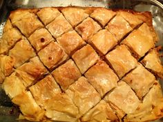Homemade Baklava recipe – All recipes Australia NZ Pecan Praline Cake, Pecan Pralines, Homemade Baklava Recipe, Baked Beetroot, Sticky Toffee Pudding, Sweet Pastries, Ober Und Unterhitze, Cream Cheese Filling, Sweet Tarts