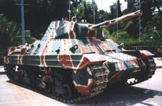 Carro armato pesante Fiat-Ansaldo P Italian heavy tank WW II Italian Army, War Thunder, Military Camouflage, Armored Fighting Vehicle, Cool Tanks, Ww2 Tanks, Battle Tank, Military Weapons, Chenille