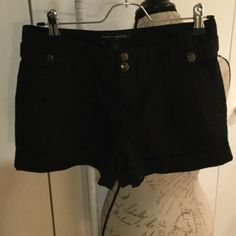 Banana Republic shorts Banana Republic black shorts. 2pockets in front and back. Cute gold and black buttons. 98%cotton 2%elastane. Inseam 3in 11in long top to bottom Banana Republic Shorts