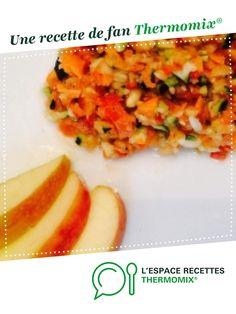 Salade fraîcheur courgettes-pommes-carottes-tomates-poivrons au vinaigre de framboises et sirop d'agave par EloKhaleesi. Une recette de fan à retrouver dans la catégorie Plats végétariens sur www.espace-recettes.fr, de Thermomix®.