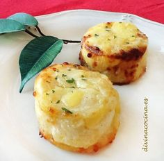 Estos pastelillos de patata son una guarniicón perfecta y de lujo para platos de carne y pescado, o pueden servirse como entrante ligero.