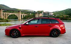 159 break r Alfa Romeo 159 Sportwagon, Alfa Romeo 147, Alfa Alfa, 2000s Fashion Trends, Sports Wagon, Gt Cars, Super Sport, Concept Cars, Automobile