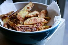 The best oven baked fries…gonna try making them with sweet potatoes next time!