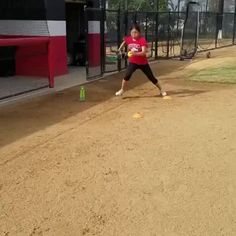 Love this drill from The three step stride will help your leg drive and body control. Softball Cheers, Softball Bows, Softball Coach, Softball Players, Girls Softball, Fastpitch Softball, Softball Crafts, Softball Shirts, Baseball Mom