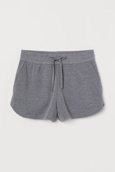 Short shorts in lightweight sweatshirt fabric with an elasticated, drawstring jersey waistband, side pockets and rounded hems. Basic Outfits, Sporty Outfits, Cool Outfits, Nike Outfits, Athletic Outfits, Fashion Art, Fashion Outfits, Black Circle Skirts, Grunge